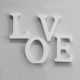 Drevený nápis LOVE